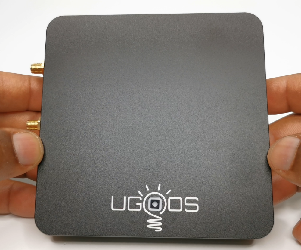 Ugoos AM6 Top View