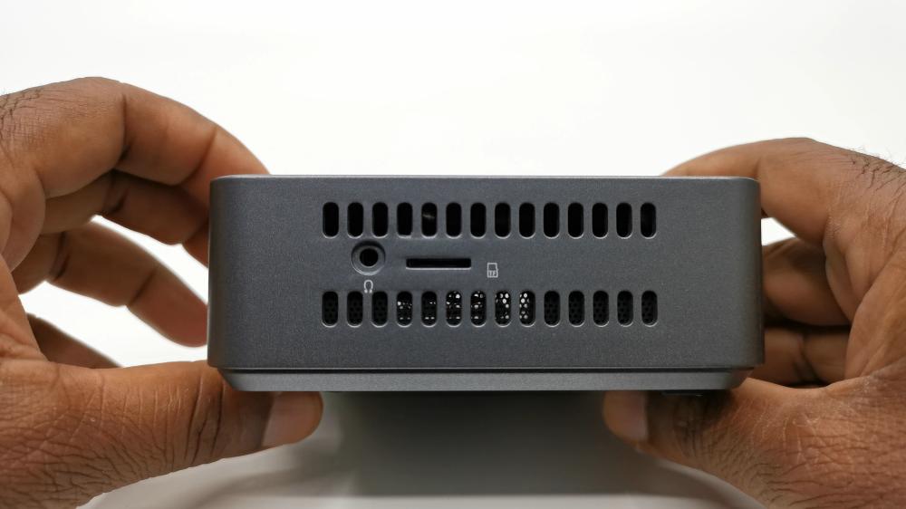 Kodlix GK45 Mini PC side ports